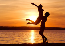 love-man-woman-silhouette-sun-sunset
